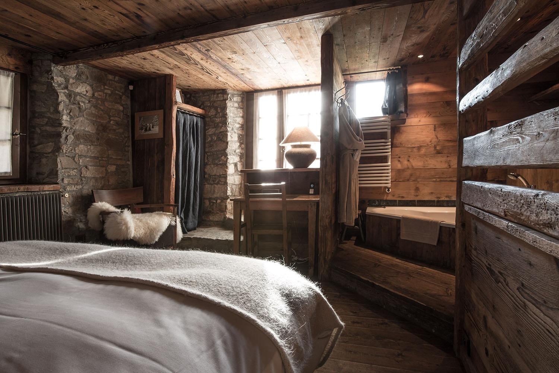 Chalet1864-chambre-fenetre