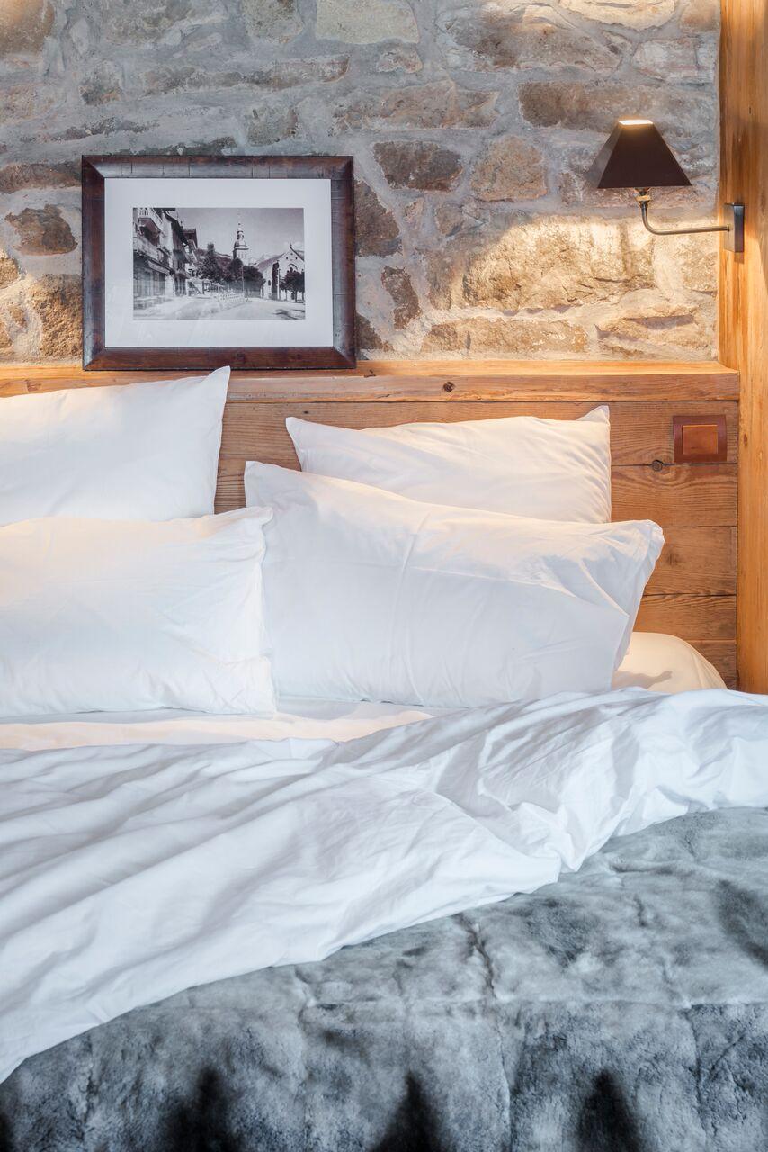 Chalet1864-chambre-tete-de-lit